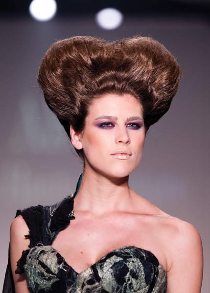 12 09 fall 2012 hair trends runway 8