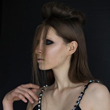Contessa 28 Finalist Collection – Julia Fullerton