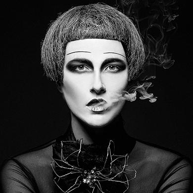 Contessa 31 Finalist Collection – Julie Vriesinga